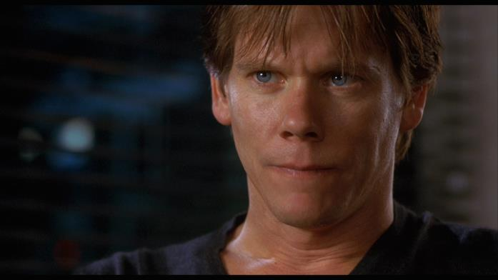 Kevin Bacon ne L'uomo senza ombra