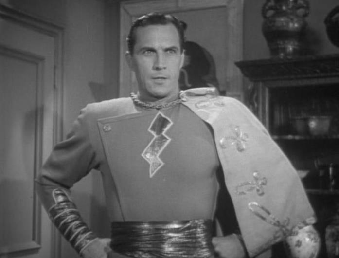 Mezzobusto di Tom Tyler nel costume di Capitan Marvel, nel film a episodi Adventures of Capitan Marvel, del 1941