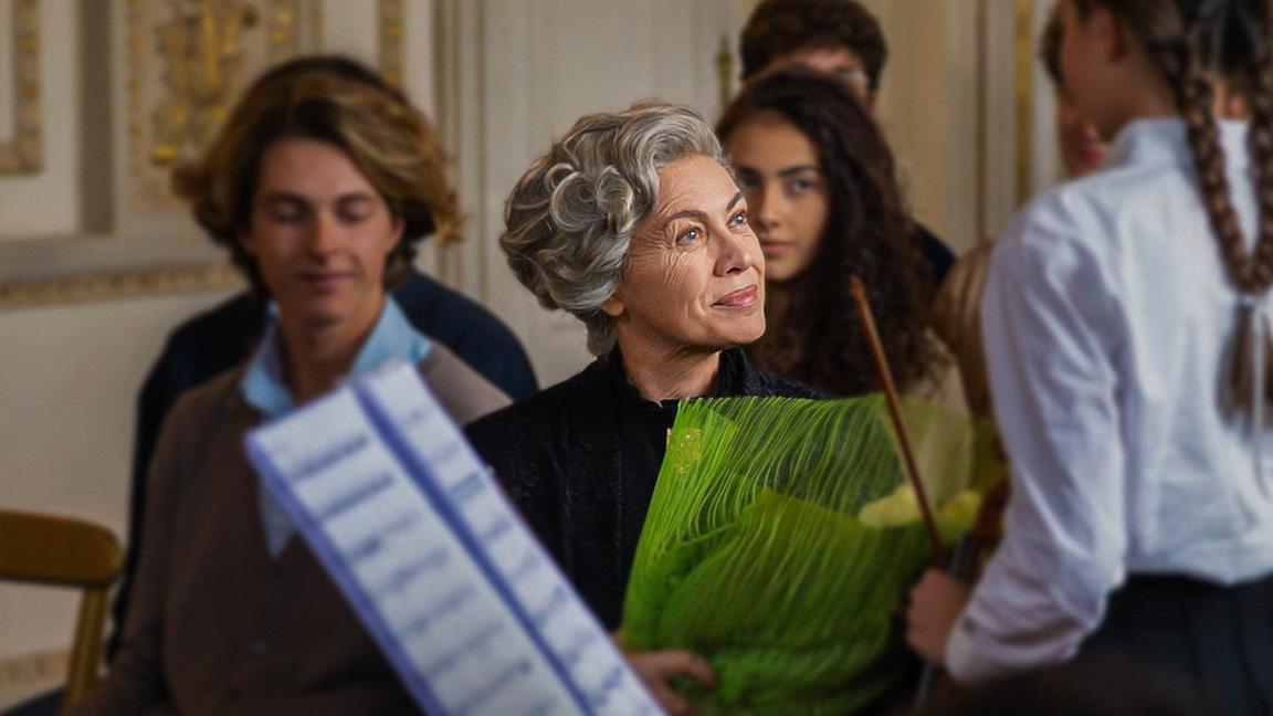 Elena Sofia Ricci nei panni di Rita Levi Montalcini nell'omonimo film TV RAI