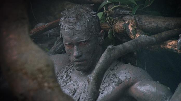 Arnold Schwarzenegger in una delle scene conclusive del film
