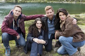 Vite in fuga: il cast nella foto ufficiale