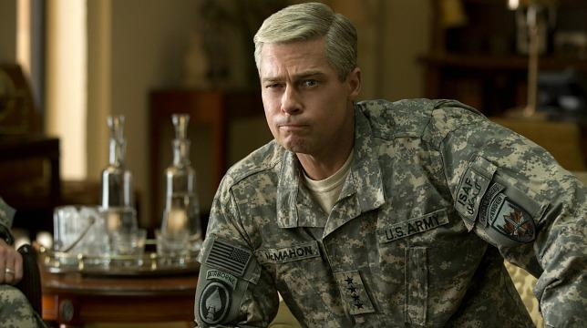 Brad Pitt in una scena di War Machine