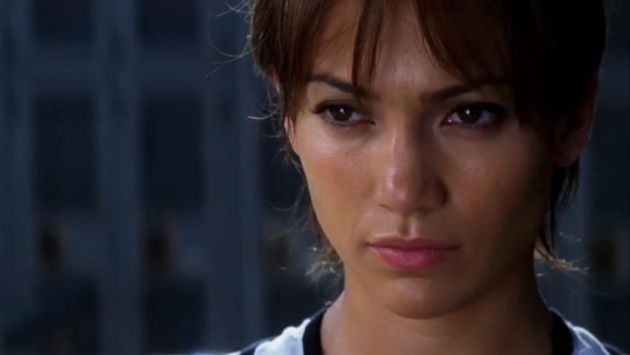 Un primo piano di Jennifer Lopez in una scena del film Via dall'incubo