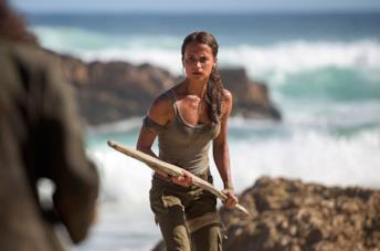 Alicia Vikander è Lara Croft in una scena del film