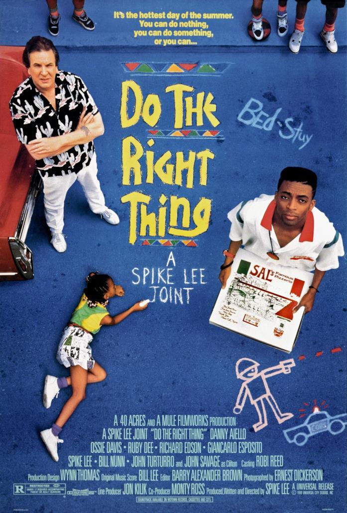 I protagonisti di Fà la cosa giusta nel poster dallo sfondo blu del film