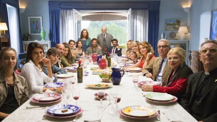 Il cast del film a tavola