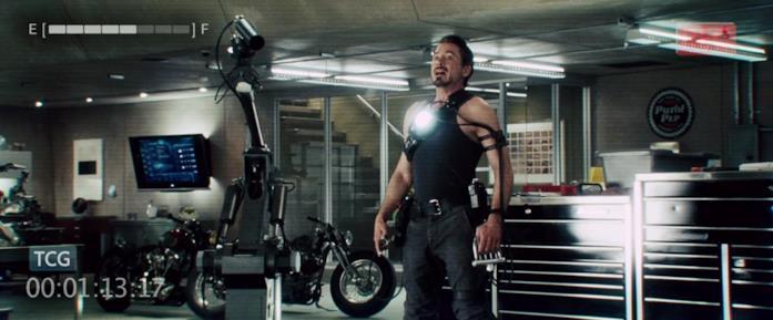 L'intelligenza artificiale U aiuta Tony nella creazione di altri robot