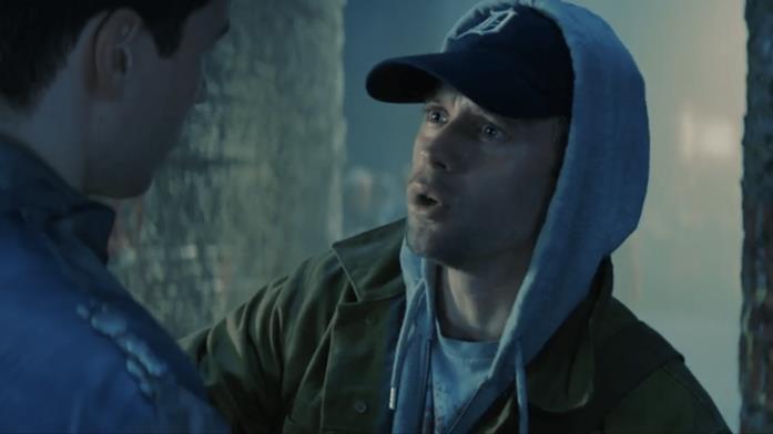 Il viaggiatore temporale terrestre Adam Strange in Krypton