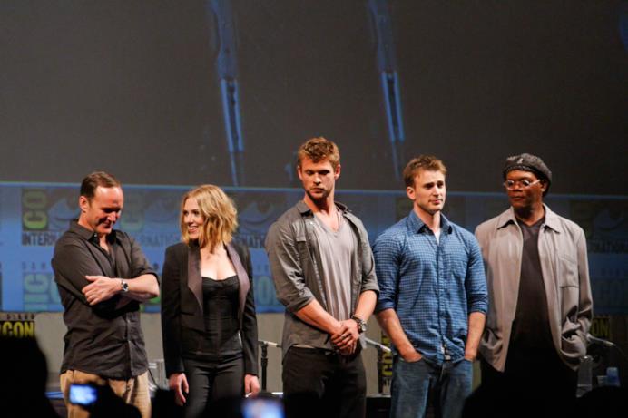 Clark Gregg, Scarlet Johansson, Chris Hemsworth, Chris Evans e Samuel L. Jackson sul palco di SDCC 2010