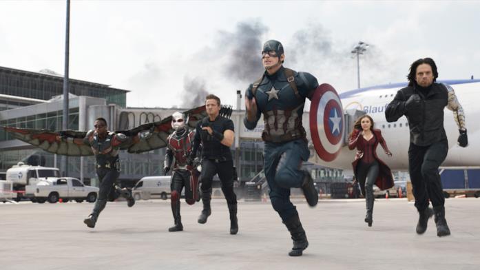 Capitan America guida l'assalto in Civil War