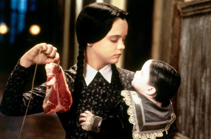 Christina Ricci è Mercoledì ne La famiglia Addams 2