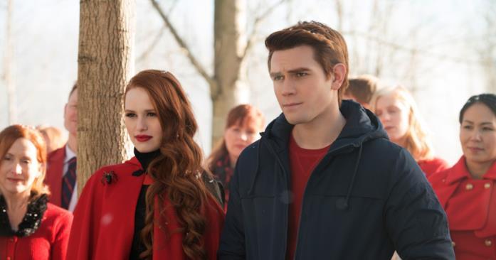 Archie e Cheryl si baciano nell'episodio 1x09