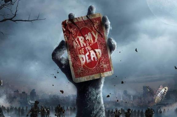 La mano di uno zombie che esce dal terreno