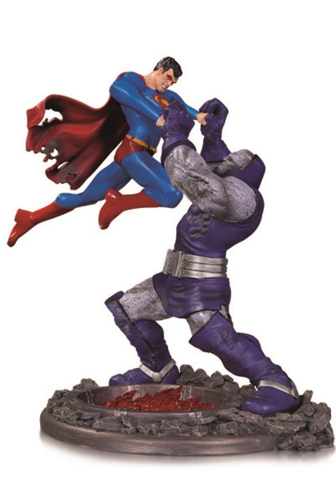 Battaglia tra l'Uomo d'Acciaio e Darkseid, la nuova statuetta