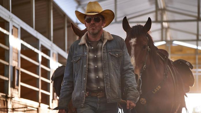 Stephen Dorff con i cavalli in Deputy