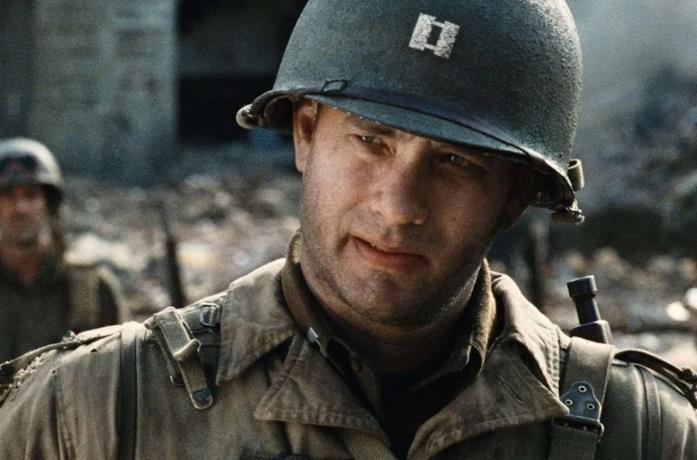 Tom Hanks è John H. Miller in Salvate il soldato Ryan