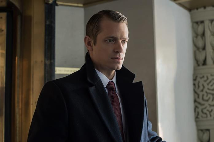 Joel Kinnaman in un episodio di House of Cards