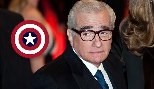 Martin Scorsese in abito elegante e lo scudo di Cap America