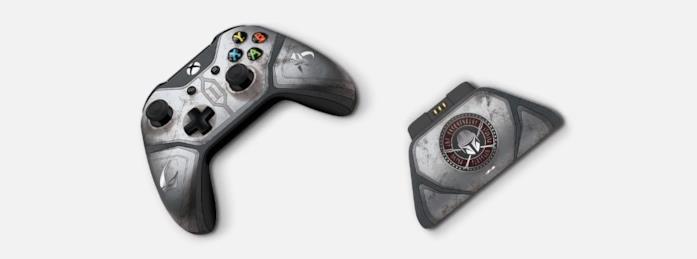 The Mandalorian: a sinistra il controller Wireless per Xbox One, a destra lo stand per la ricarica