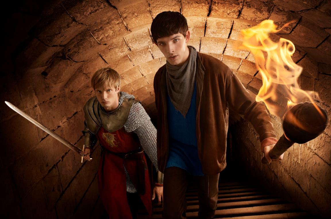 Bradley James e Colin Morgan sono Arthur e Merlin nella serie BBC