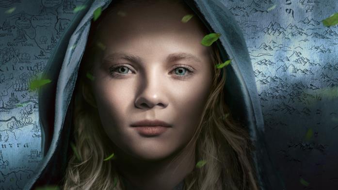 Freya Allan in un poster di The Witcher