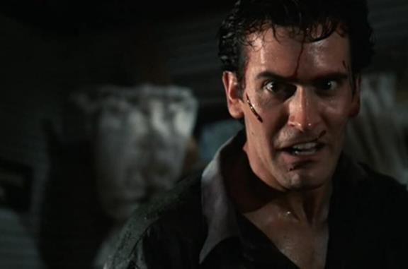 Bruce Campbell nei panni di Ash