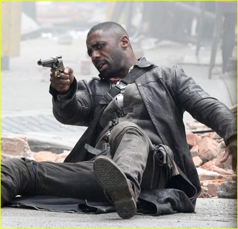Idris Elba in azione