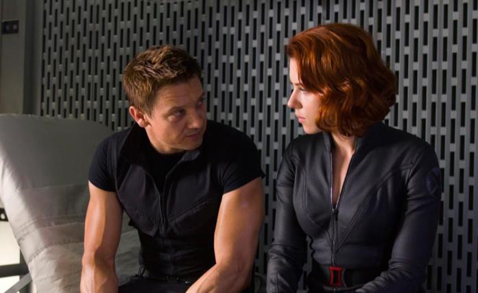 Jeremy Renner e Scarlett Johansson in The Avengers