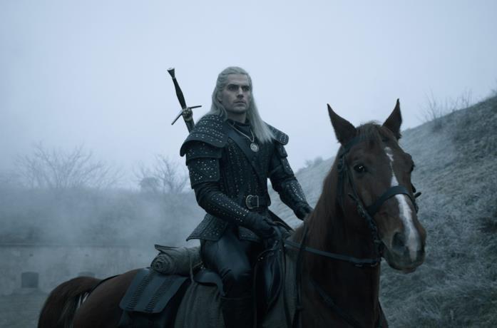Henry Cavill è il protagonista di The Witcher, Geralt di Rivia