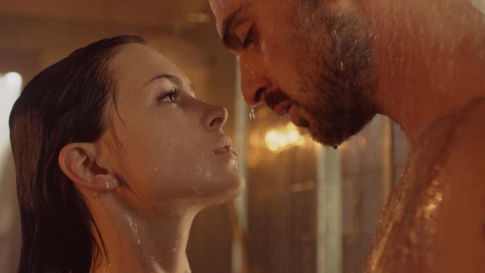 La scena nella doccia in 365 giorni
