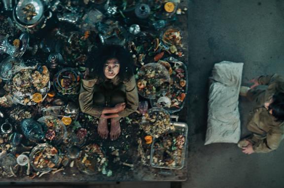 Fame, vertigini e claustrofobia: il cast di Il Buco racconta le scene più impegnative da girare del film Netflix