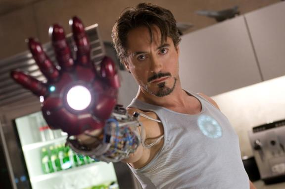 Robert Downey Jr. nei panni di Iron Man