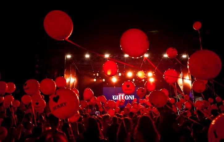 palloncini rossi per omaggiare IT: Capitolo 2