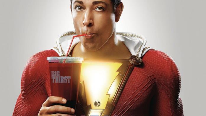 Un primo piano di Zachary Levi come Shazam! nel poster del film