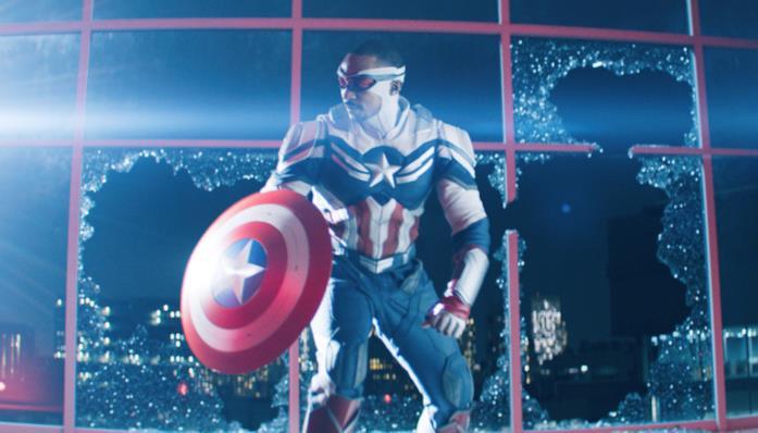 Sam Wilson con il nuovo costume da Captain America