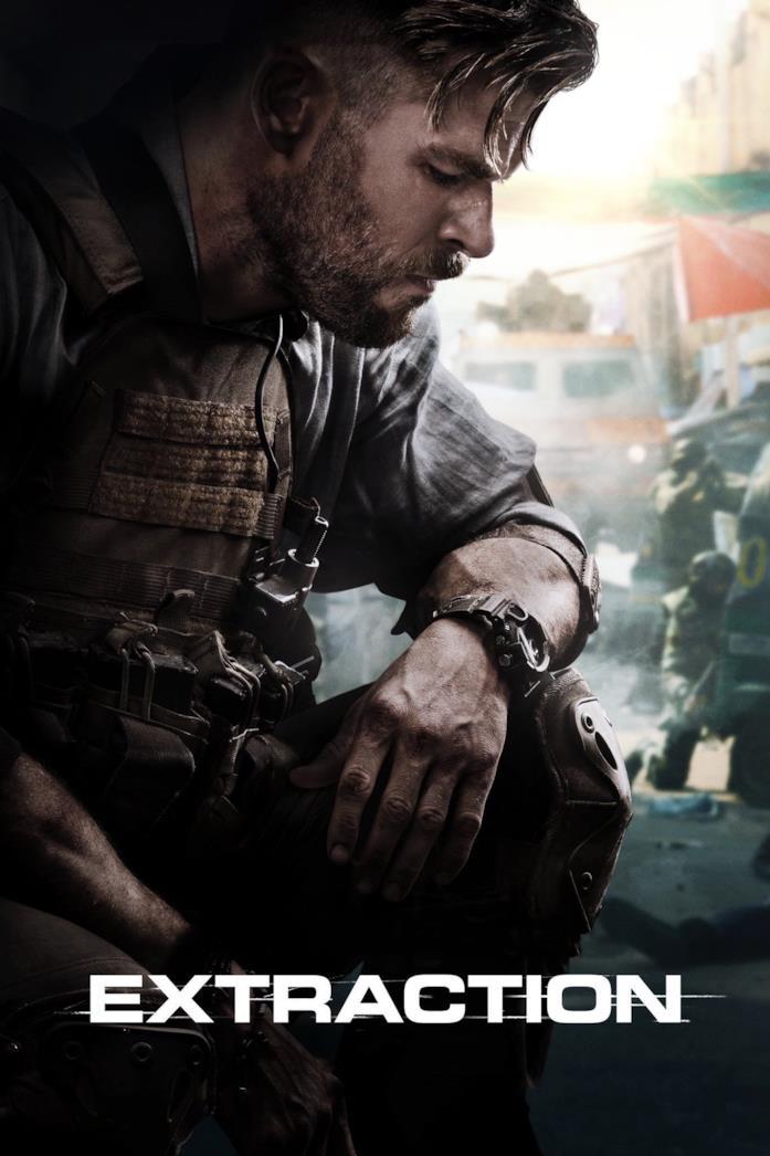 Chris Hemsworth semi-inginocchiato a terra nel poster di Tyler Rake