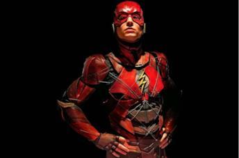 Un'immagine di Ezra Miller nei panni di Flash