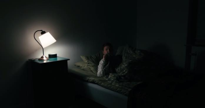 scena di Lights Out