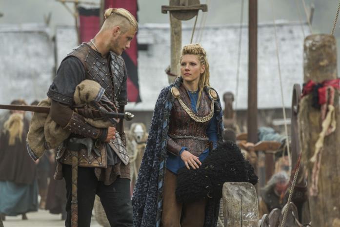 Un'immagine di Lagertha e Bjorn in Vikings 5