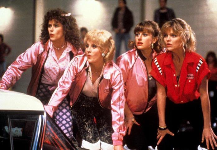 Una scena con le Pink Ladies in Grease 2