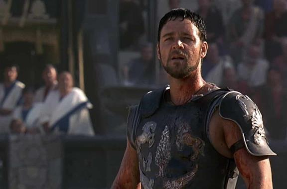 Russell Crowe nel film Il Gladiatore