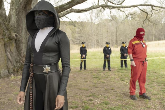 Un'immagine di Angela Abar nella serie Watchmen