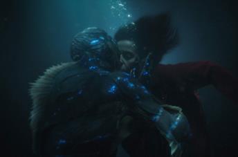 Elisa e la creatura in La forma dell'acqua