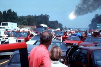 Il meteorite cade sulla terra in una scena del film Deep Impact