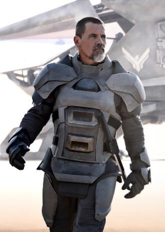 Joss Brolin con la corazza del suo personaggio Gurney Halleck