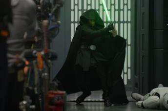 Luke Skywalker con la spada laser