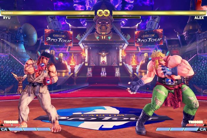 Un'arena di Street Fighter V: Arcade Edition con l'advertising attivo