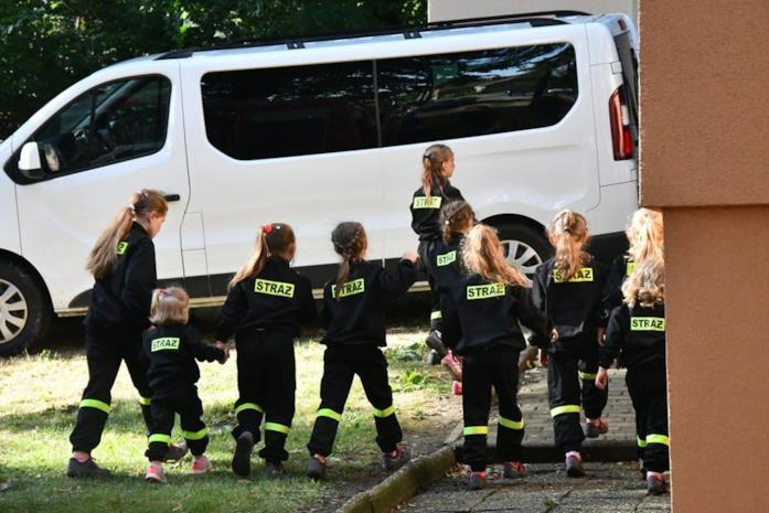 Alcune giovanissime abitanti di Miejsce Odrzańskie