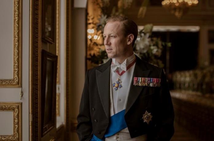 Tobias Menzies è Filippo in The Crown 3