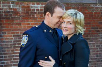 Linda e Danny Reagan in una scena di Blue Bloods
